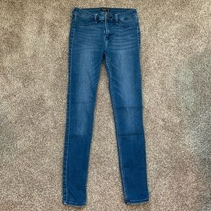 Abercrombie & Fitch Low Rise Skinny Jean Jegging
